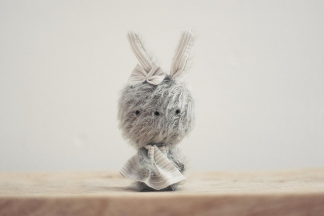 conejita gris mohair, pocholines, pocholinas, stuffed animal, bear, muñeco de peluche, hecho a mano, handmade, lelelerele